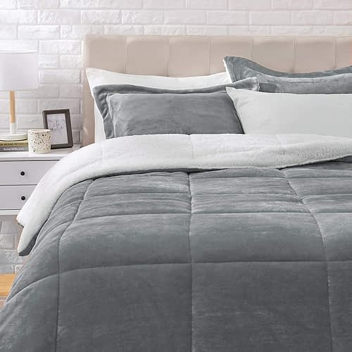 AmazonBasics Ultra-Soft Micromink Sherpa cheap Comforter Bed Set